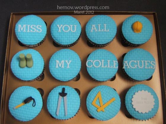 Anita McKay's Personalize Cupcakes
