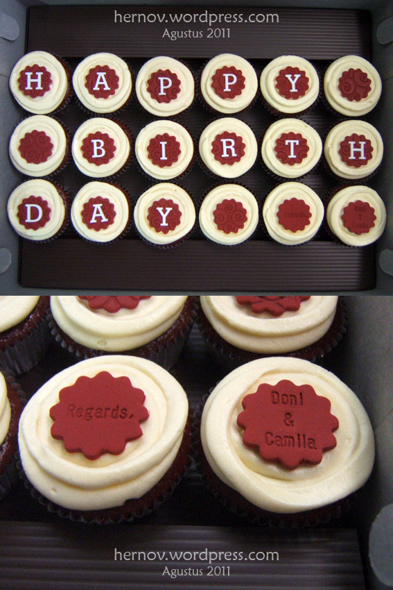Mom's Red Velvet Birthday Minicupcakes