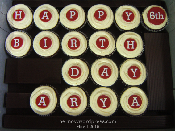 Arya's RED VELVET Birthday Minicupcakes